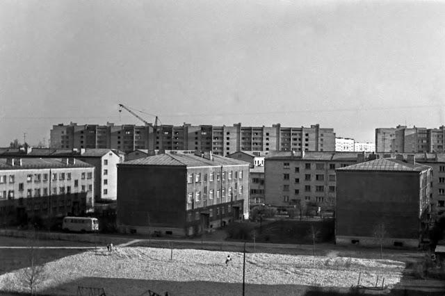 1977 год. Вид с пятого этажа на ул. Бикерниеку в сторону Пурвциемса