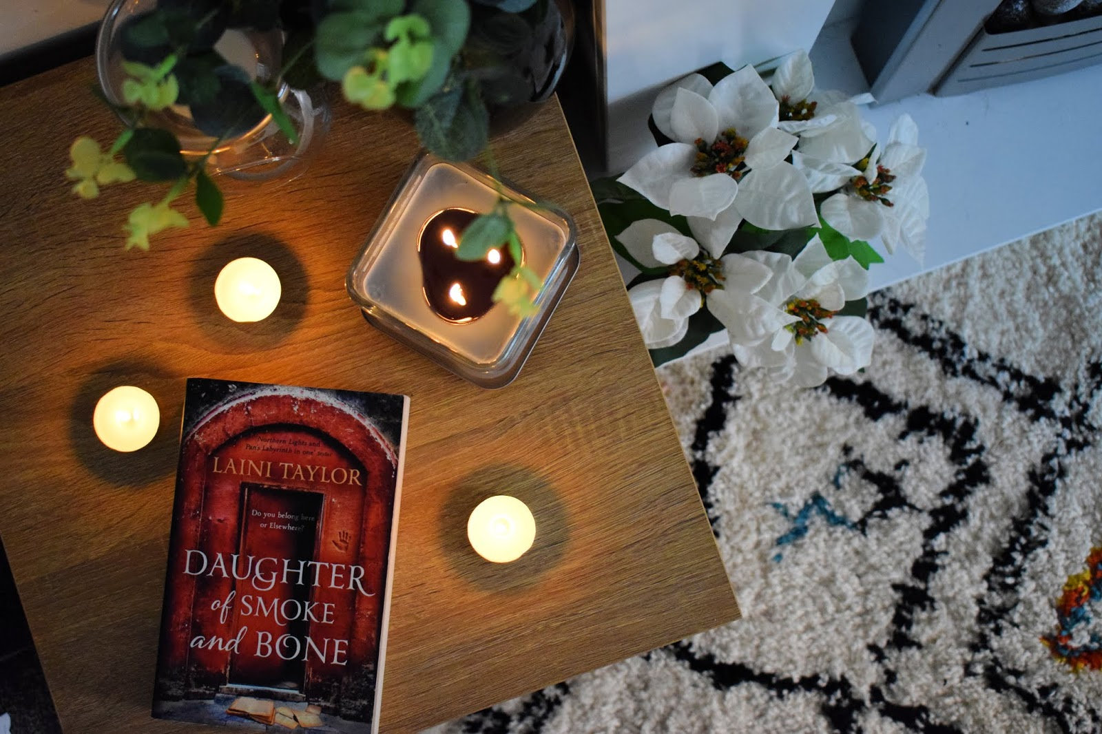Daughter of smoke and bone - Laini Taylor - book review