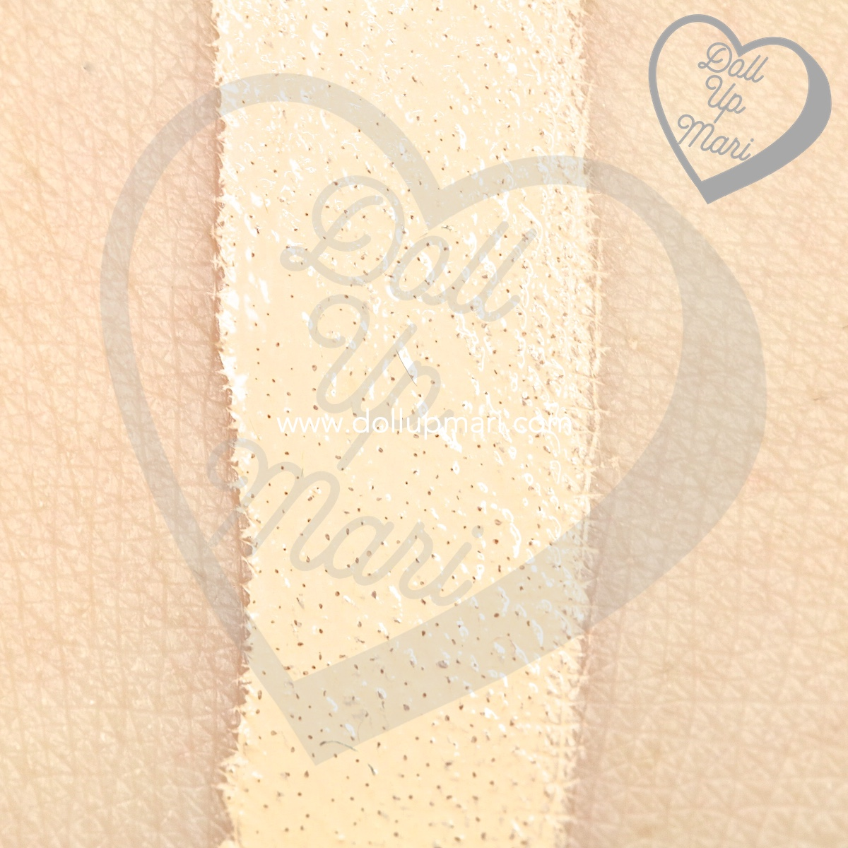 Swatch of L'Oréal Paris Infallible 24HR Fresh Wear Liquid Foundation SPF25PA+++ in shade Ivory