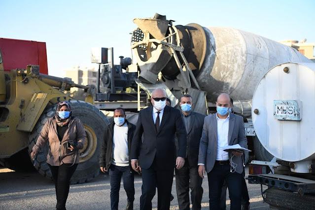 محافظ قنا يتفقد اصطفاف المعدات المشاركة في تنفيذ المبادرة الرئاسية الخاصة بتنمية الريف المصري