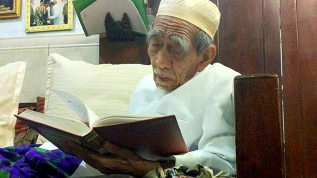 Teks Lirik dan Terjemah Qasidah Saduna Fiddunya Kesukaan Mbah Maimoen Zubair