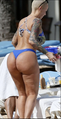 Amber Rose shows off her bikini body as vacations in Hawaii