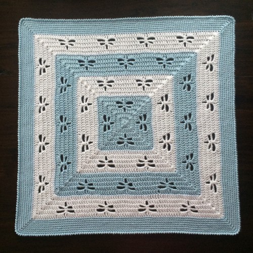 Radiating Dragonflies Throw - Free Pattern