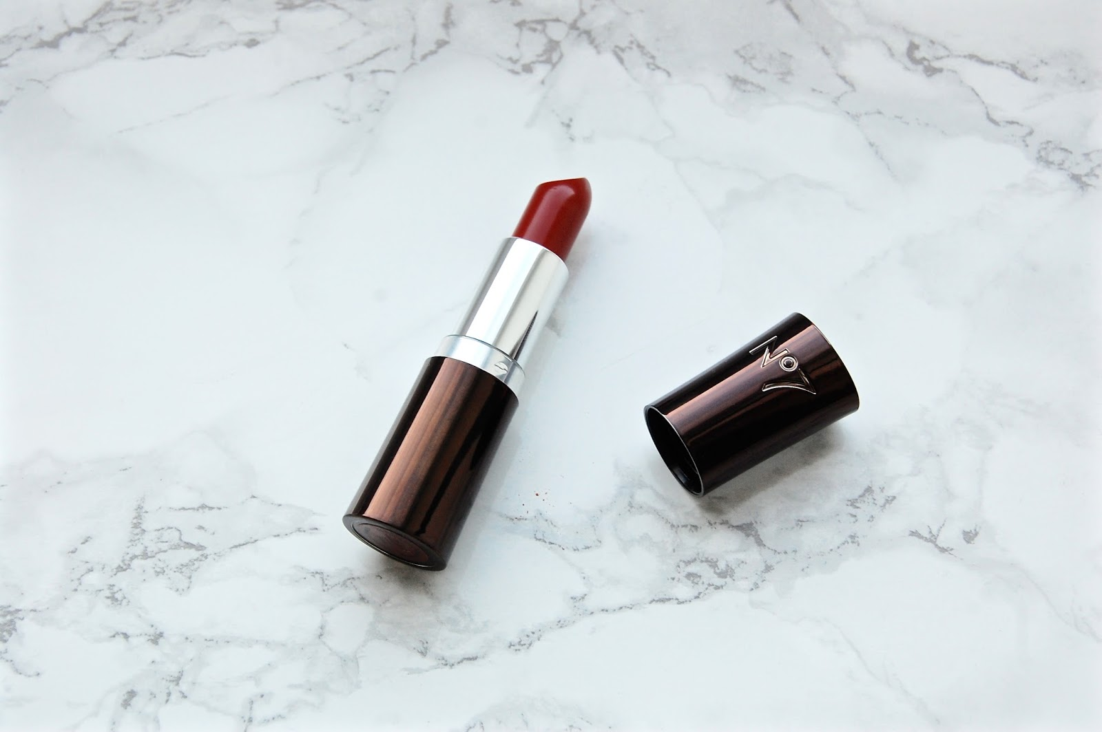 No7 Moisture Drench Lipstick Review and Swatches