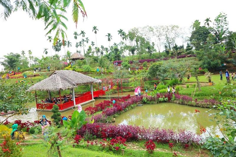 The Le Hu Garden,Wisata Foto-Foto Kekinian di Pinggiran Kota Medan