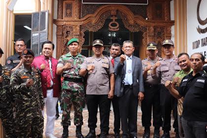 Secara Humanis, Kabid Humas Polda Banten Sambangi Jamaat Gereja yang Laksanakan Ibadah Natal