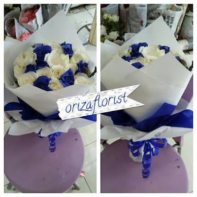 toko bunga tangan di surabaya, jual mawar putih di surabaya, harga setangkai mawar putih di surabaya