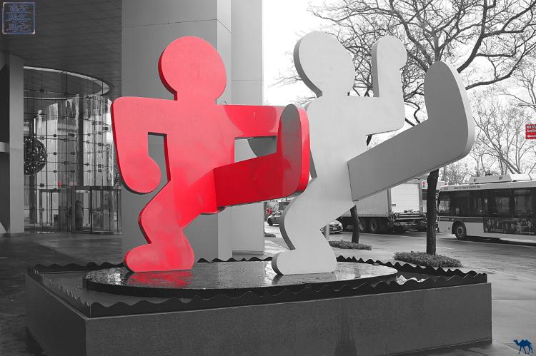 Le Chameau Bleu - Oeuvre de Keith Haring Manhattan New York Art Sculpture