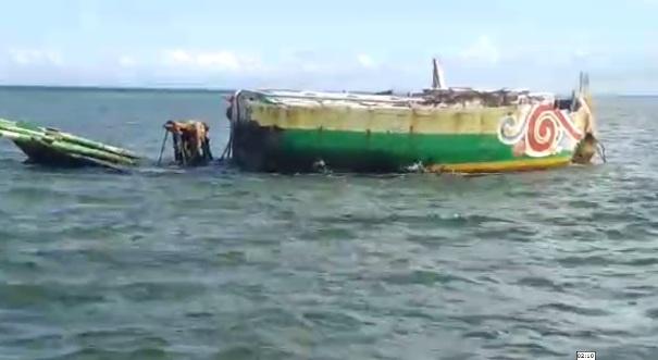 Entah Darimana Asal Kapal Kayu Yang Karam Di Taka Latondu Kidi Takabonerate Selayar