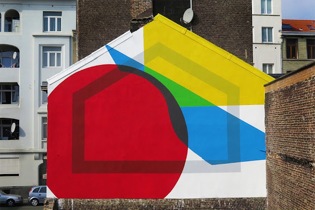 """Brussels recently hosted their Nuit Blanche and our friend Elian Chali was invited to paint a mural for the event.  Coordinated by Energy Cities, the Argentinian artist painted an abstract, geo-based piece titled """"Dark Perimeter / Basic Primary Shapes""""."""