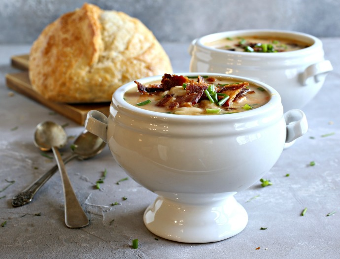 Recipe for a thick, creamy, bean and bacon stew.