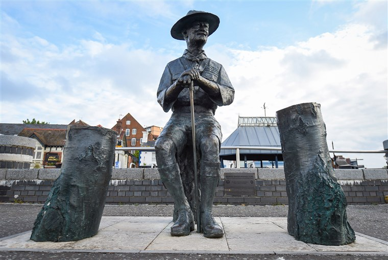 Baden-Powell statue boarded up by BCP Council