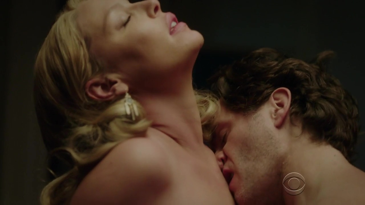 Katherine heigl's sexy hot tub action brings in the cops
