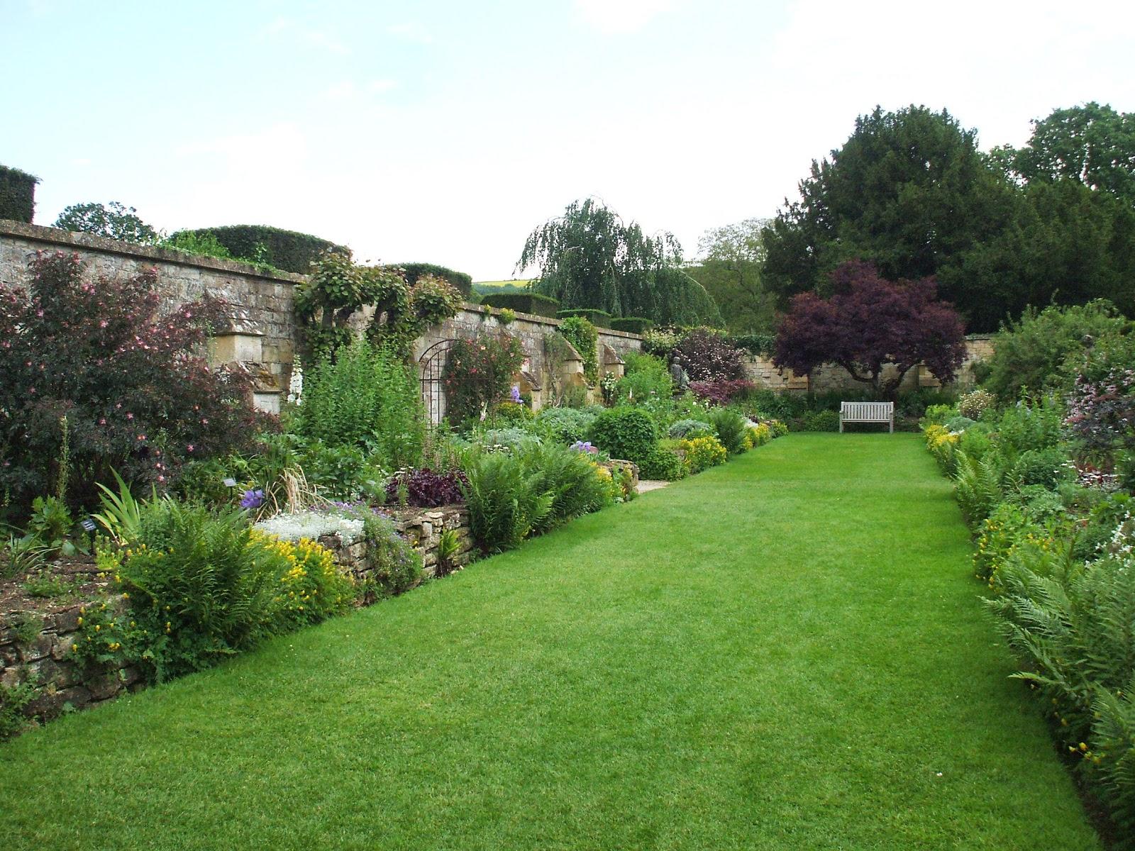 Secret Garden: The On-Line Buzzletter: U.K. Trip Blog #48: Sudeley Castle