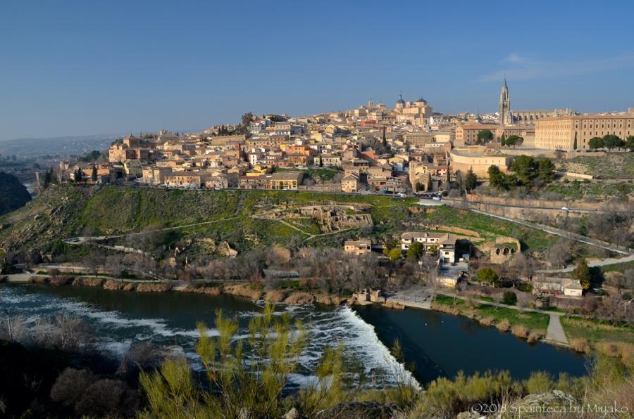 展望台から眺めるスペインの世界遺産の町トレド