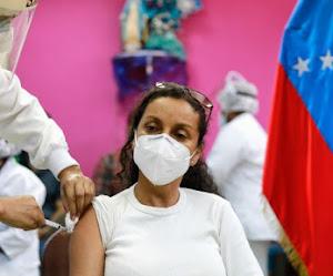 La vacuna contra el covid-19 continúa llegando a los centros y hospitales centinela de las regiones del país