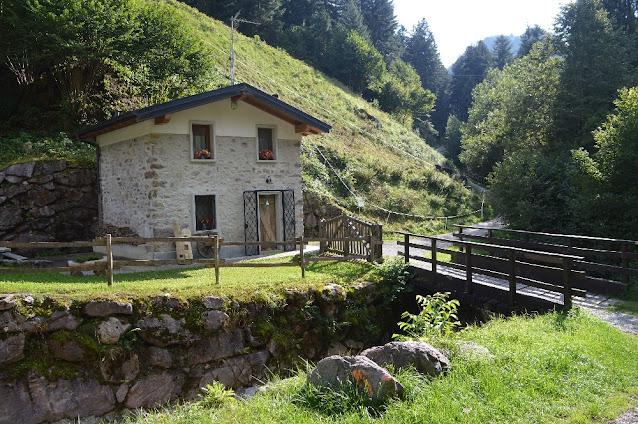 baita romantica montagna lombardia