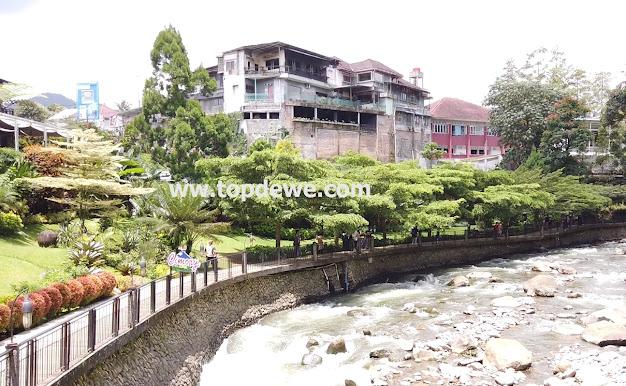 View sungai Cimory riverside cisarua bogor