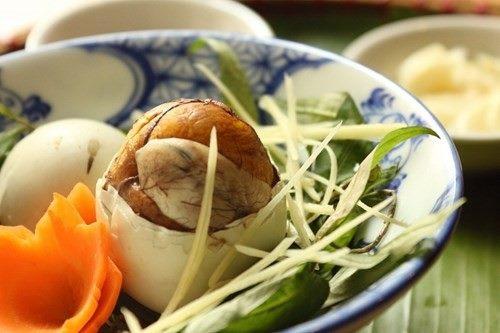 Tác dụng của việc ăn trứng vịt lộn vào buổi sáng