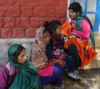 Indian Fake doctor infects 33 poor villagers with HIV using contaminated syringes