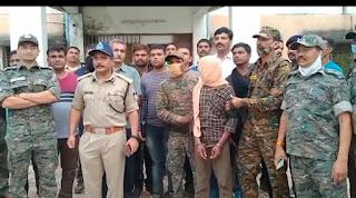 12 लाख रु का इनामी नक्सली गिरफ्तार