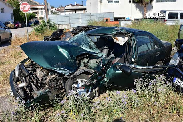 Νεκρός οδηγός αυτοκινήτου από σφοδρή συγκρουση με φορτηγό στην Δαλαμανάρα (βίντεο)