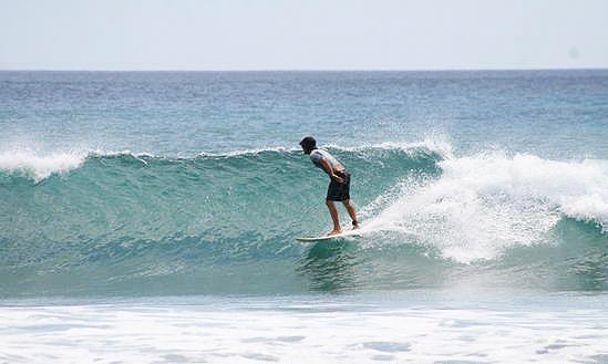 surfing tamarindo beach nicaragua