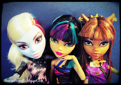 Abbey Cleo Clawdeen Monster High doll selfie