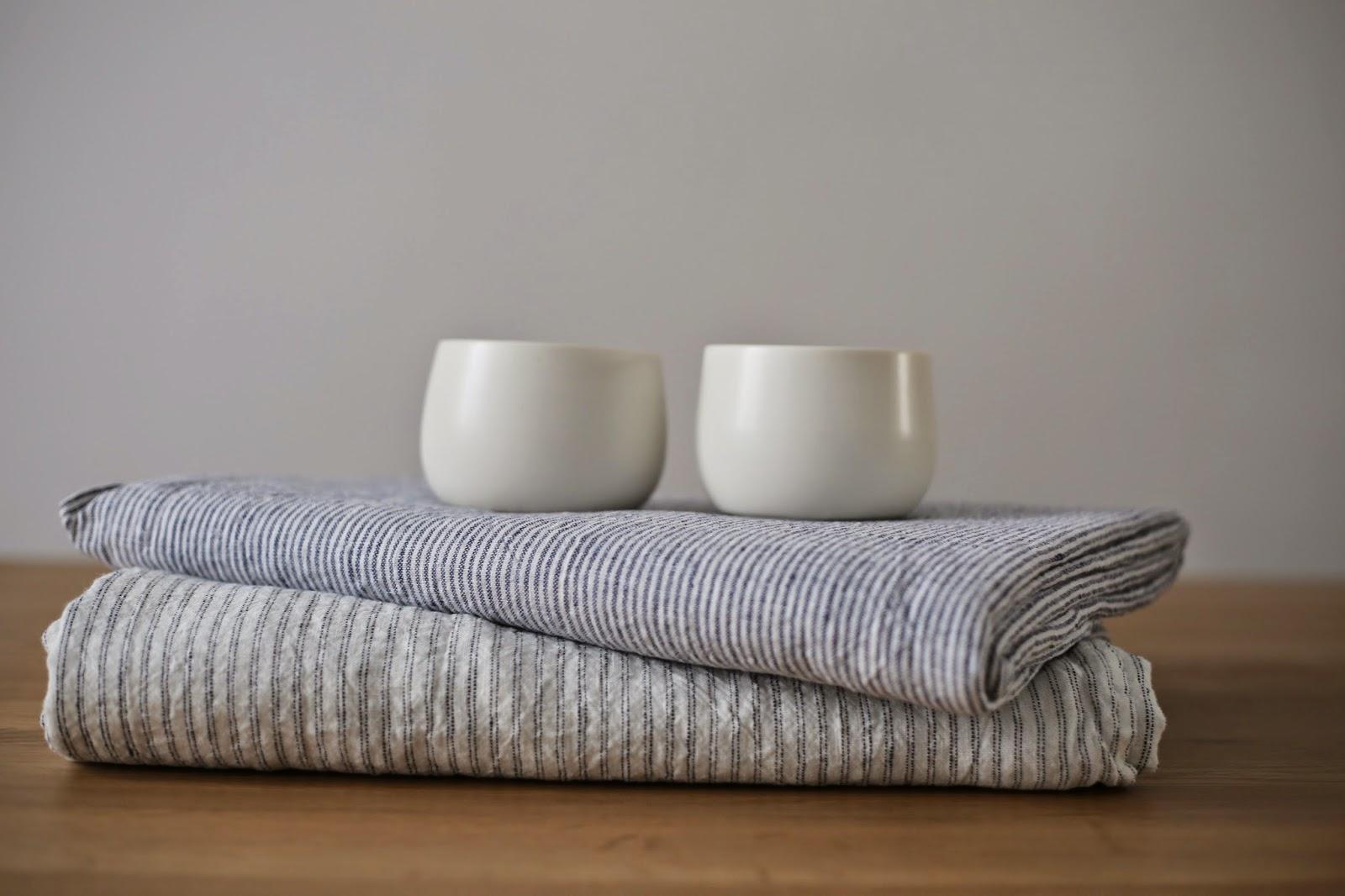 les nappes ray es linge particulier. Black Bedroom Furniture Sets. Home Design Ideas