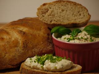 Knuspriges Brot in Baguette Form