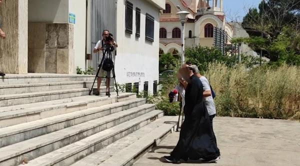 Αγρίνιο: Αυτός είναι ο 49χρονος ιερέας που κατηγορείται για βιασμό ανήλικης και παιδική πορνογραφία