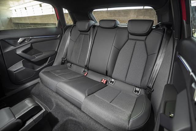 Audi A3 Sportback S-Line 2021 - espaço traseiro