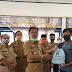 Bupati Pesibar Berikan Bantuan Warga Di 11 Kecamatan Terdampak Corona