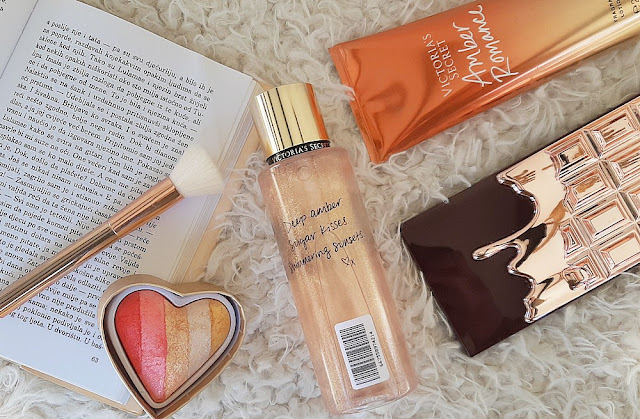 victorias-secret-amber-romance-shimmer-sprej-notino_hr
