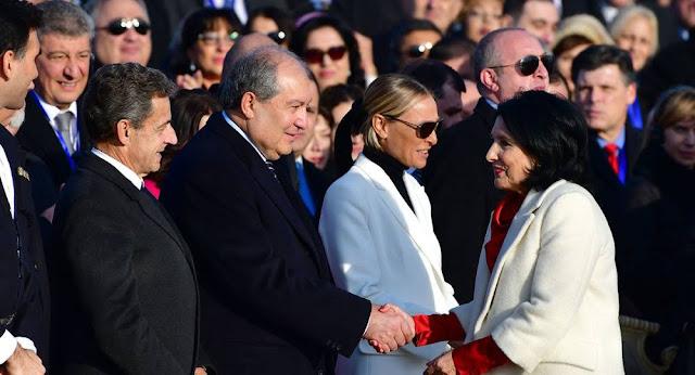 Sargsyan asiste a la asunción de la presidente de Georgia
