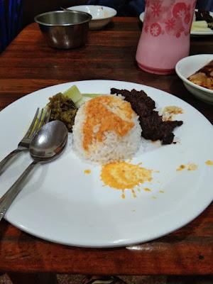 Nasi Padang favorit milenial Bandung
