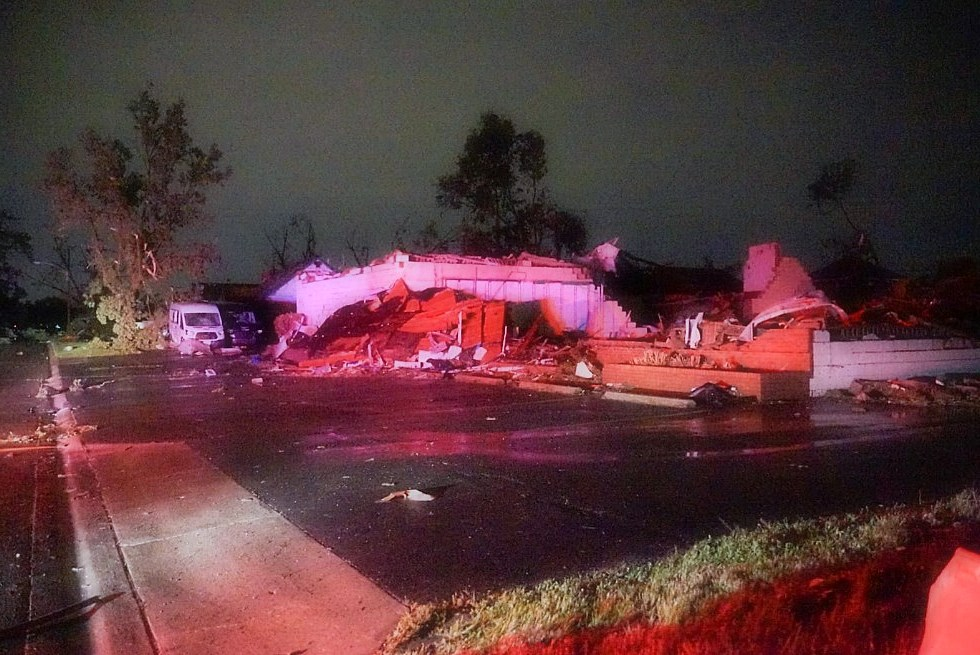 Tornado hits Dayton, Ohio; Severe injuries in Mercer County injure 7