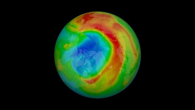 Μια νέα τρύπα του όζοντος έχει ανοίξει πάνω από τον Βόρειο Πόλο