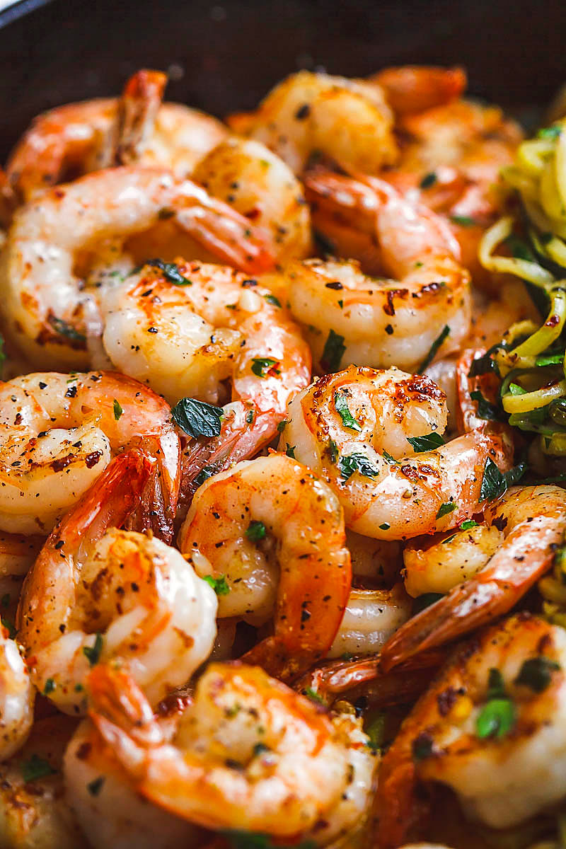 Shrimps with lemon butter and garlic 10 minutes with zucchini noodles  #recipe This fantastic meal is prepared in a pan in just 10 minutes. #Shrimp #Zucchini #Noodles # Low carb, # paleo, # keto and # gluten free. - #recipe