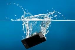 Tips Cara Mengatasi Hp Yang Terkena Air