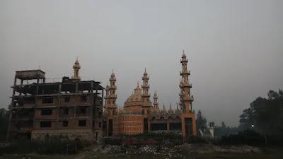 201 গম্বুজ মসজিদ