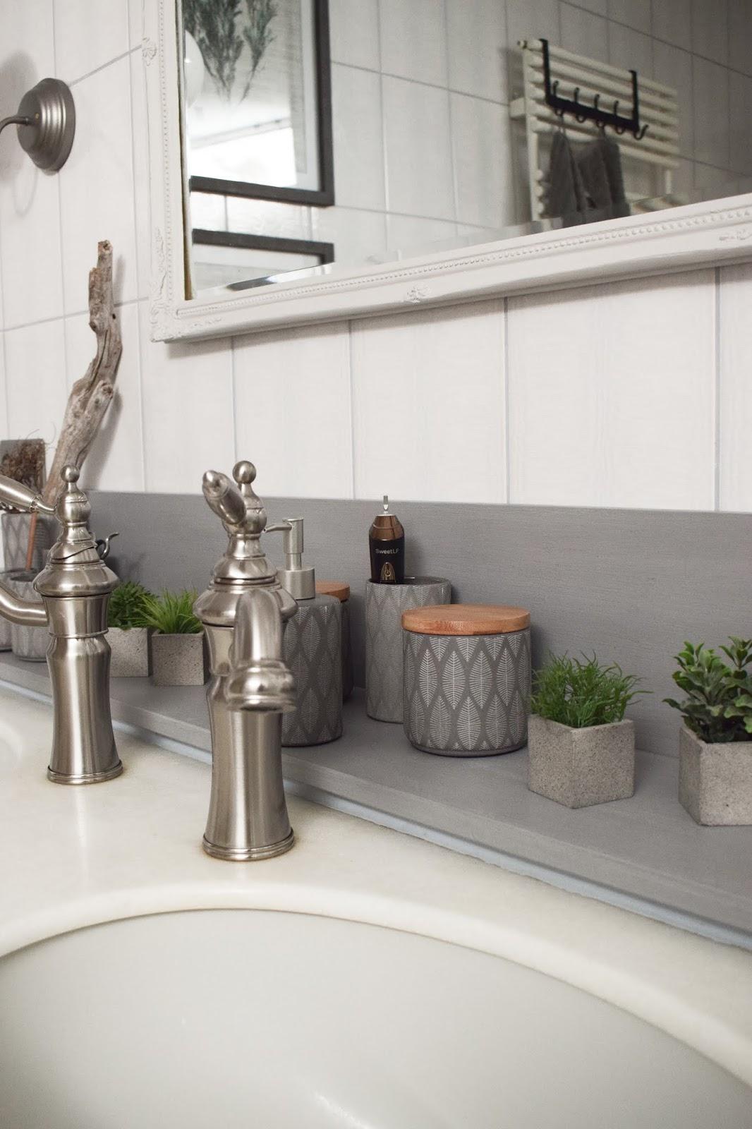 Badezimmer Ideen Deko Bad Renovierung selber machen Dekoideen für ein stilvolles Badezimmer. Einrichten Aufwerten Interior vorher nachher
