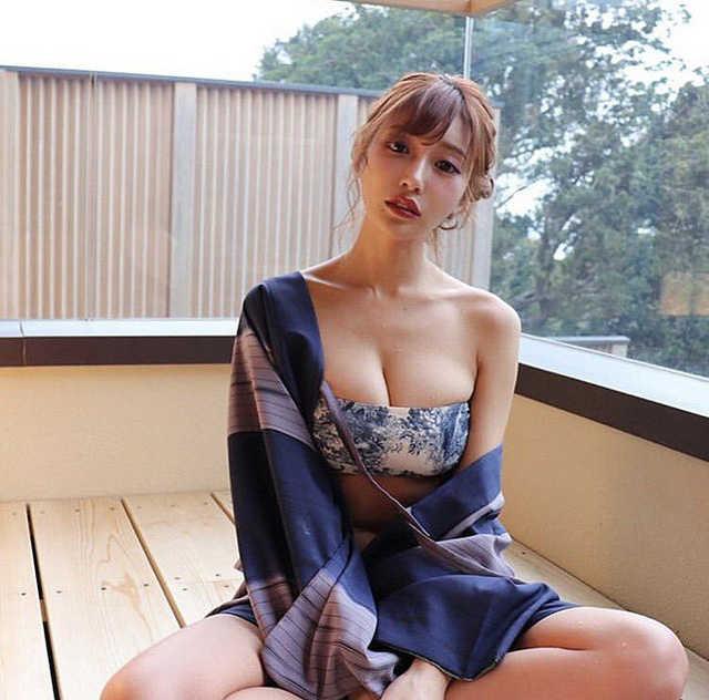 """Nóng bỏng và được mệnh danh """"thiên thần 18+"""", nhưng Asuka Kiara vẫn bị lượng lớn anti-fan đòi tẩy chay"""