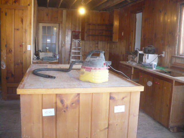 Non Matching Kitchen Cabinet Knobs