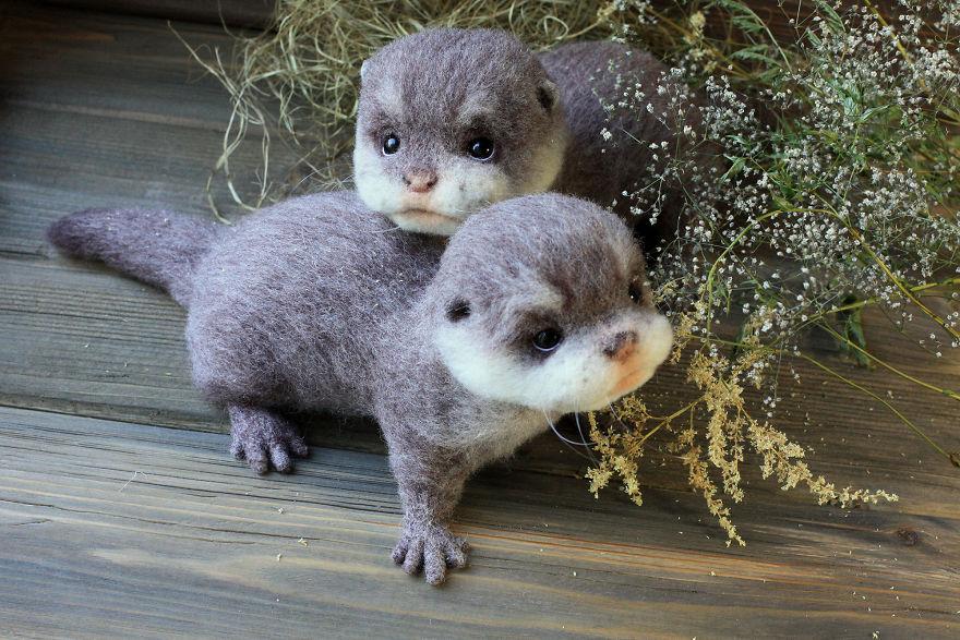 12-Otter-Tatiana-Barakova-Татьяна-Баракова-Plush-little-Animals-made-of-Wool-www-designstack-co