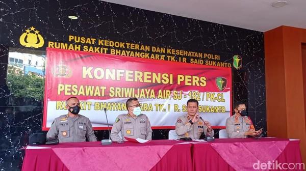 Tim DVI Polri Sudah Terima 16 Kantong Jenazah Korban Sriwijaya Air Jatuh