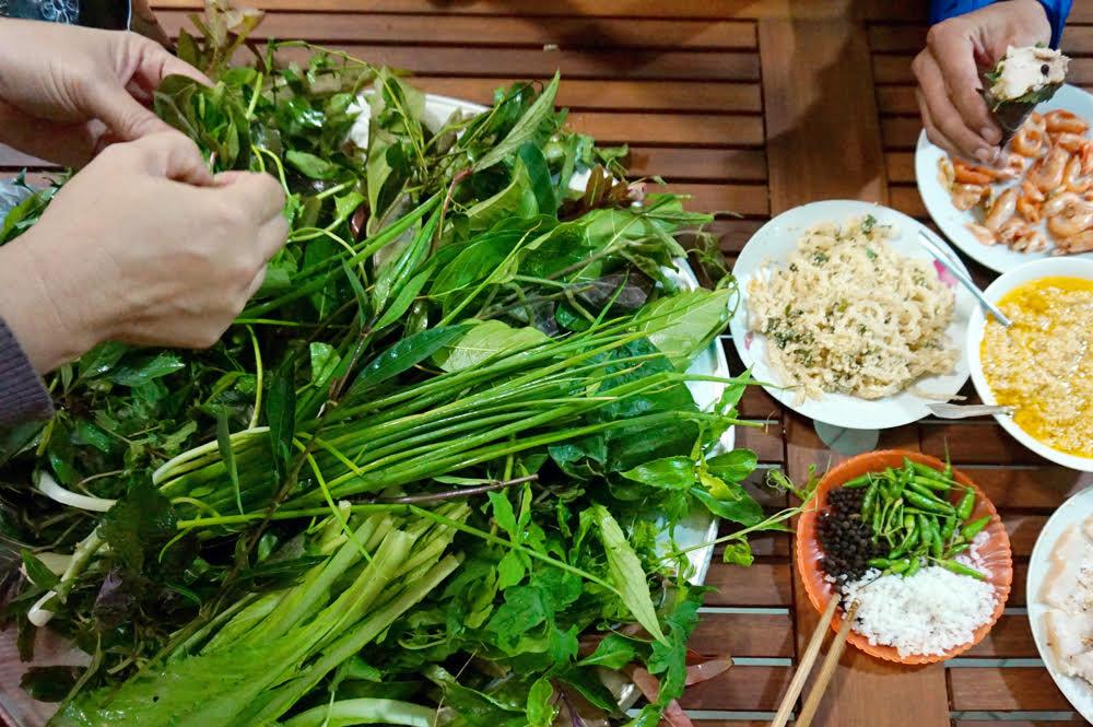 Gỏi lá Kon Tum, món ăn đậm đà hương vị núi rừng Tây Nguyên