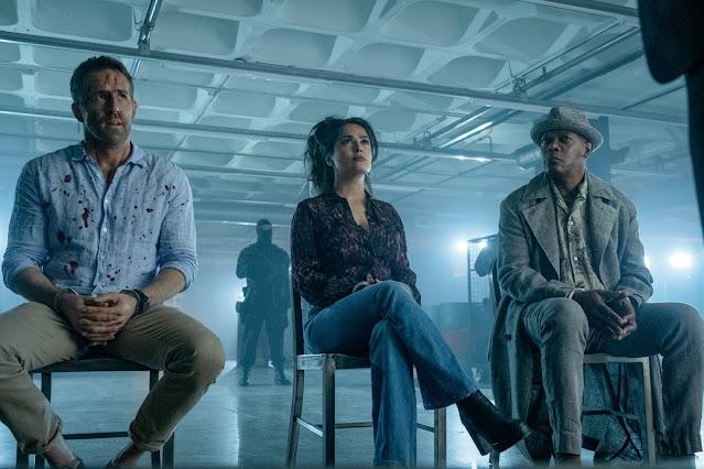 Ryan Reynolds, Salma Hayek, Samuel L. Jackson em DUPLA EXPLOSIVA 2