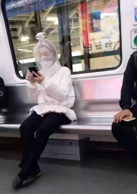 Những ý tưởng khẩu trang sáng tạo chống virus corona ở Trung Quốc
