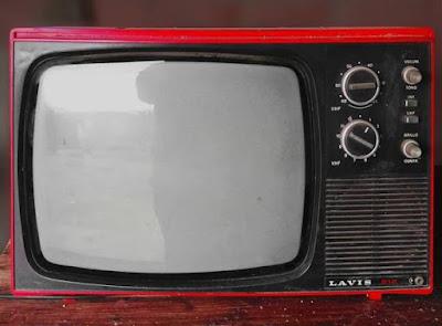 tips-menggunakan-tv-agar-bertahan-lama